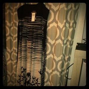 Beautiful New with tags BCBG MAXAZRIA GOWN